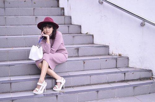Wishing you a wonderful Friday 🎀💞 . . . . . #luxegal #findkapoor #blogger #fashionblogger #bloggerperempuan #bloggerjogja #nikon #nikonindonesia #ootd #ootdmagazine #chictopia #clozette #clozetteid