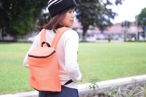 Gak semua orang bisa bangkit dan bersinar setelah kejatuhan. But I know you can 💪🏻😤 - Here is my @exsportbags backpack to brighten your gloomy day (not totally relate, but you know what I meant 😆) . . . . . #exsportbags #creatinggoodnesssince1979 #exsportlivingmannequin #creatinggoodness #bag #backpack #nikon #nikonindonesia #potrait #blogger #fashionblogger #bloggerperempuan #bloggerjogja #ootd #clozette #clozetteid