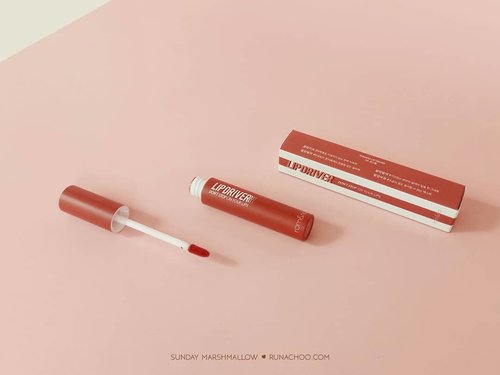 Hi, how's your days? Having your lunch?  So this is what I was excited for! Matte lipcream that all claims the brand give to it are 100% true 😱  Romand Lip Driver! - longlasting - non glossy - doesn't make my lips dry - smudgeproof  Can you guess what is the shade I tried on? Find the answer on my blog! 😍  The full review is already up on : www.runachoo.com 👌  You can buy it from my Charis shop on : hicharis.net/runachoo/9Ty  I have special price for you just go to the link! 😍 The link is on my bio.  #CHARIS #CHARISCELEB #Romand #LipDriver #Romandyou #Romandlipdriver #romandreview . . #clozette #clozetteid #runachoopost #kbbvmember #beautyreview #blogger #beautyblogger #beautiesquad #setterspace #beautynesiamemberblogger #femalebloggers #bloggerslife #bloggerceria #indonesianfemalebloggers #bloggerperempuan