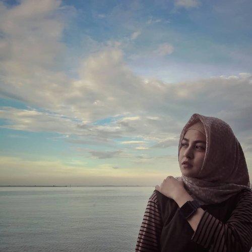 Kita tidak bisa mengubah hati orang lain untuk berbaik sangka kepada Kita, Namun..kita bisa melatih hati kita untuk berbaik sangka kepada orang lain. #positivethinking . . . #ClozetteID #Hijab #hijabblogger #Lifestyle #lifestyleblogger #IndonesianBlogger #lovephotography #lovephotos #likeforlikes