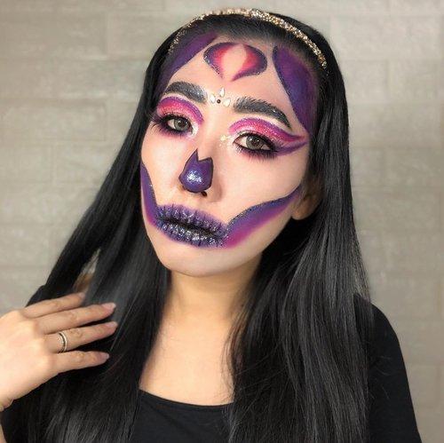 "Akhirnya setelah sekian lama ga bikin Makeup Art baru  Asli otak agak lemot dan rasanya cape banget ye bikin detail kecil2 ampe kram tangan 🤣🤣🤣  But tetap bangga jadi jugaaa 🥰  Semoga pada suka ya ❤️❤️  @beautefemmecommunity presents 𝑮𝒍𝒂𝒎 𝑺𝒌𝒖𝒍𝒍 makeup  Collage 1 1. @inegunadi 2. @prillistyy 3. @hincelois_jj 4. @putritujuh  Collage 2 1. @fatmala.fm 2. @z3ndylicious 3. @roxyfoxypinky 4. @mirailfi.nd  Collage 3 1. @lintangaglis 2. @meidythiya  Cek makeup teman"" aku lainnya yg #neonskullmakeup di #beautefemmecollab  Stay tuned for more halloween collabs from us! . #beautefemmecommunity #makeup #collabmakeup #makeupcollab #halloween #halloweenmakeup #31dayschallenge #31dayschallengemakeup #scarymakeup #crazymakeup #makeupchallenge #makeuphalloween #skull #skullmakeup #glamskull #glamskullmakeup #art #artmakeup"