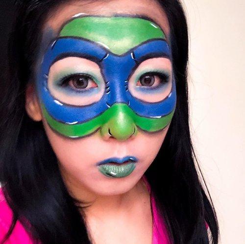 """hiii ini adalah my third submission Halloween makeup versi aku untuk join ke acaranya Beauty Hackaton nya @nyxcosmetics_indonesia & @heidianatjahjadi  @mmurwanti  @blekribe . . Kali ini makeup dengan tema """"Ninja Turtle"""" karena aku suka dengan superheroes  dan kebetulan dulu kecil suka nonton kartunnya.. Walaupun masih agak kacau dan kurang rapih semogaaa berkesempatan y bisa ikutan acara ini Wish me luck y guys . .  #beautyhackathonlorealid  #NYXCosmeticsID #botbNYX #halloweenmakeup #halloweenmakeupidea #clozetteid #ninjaturtlemakeup"""