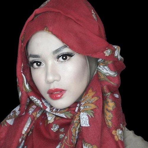 Red Mood #clozetteid #motd #hijub #makeup #redlippie