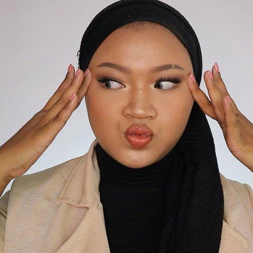 Pusing akutu kenapa cakep banget 👉🏽🥺👈🏽 WKWKWK MAAPIIINNN YA GUYS EMANG SUKA GITU SI HANII MAH 😌🤣 #makeup #makeuplook #nude #bronzie #clozetteid