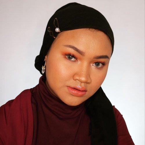 Lirikan matamu menarik hati 💃🏻 #makeup #simplemakeup #makeuplook #clozetteid