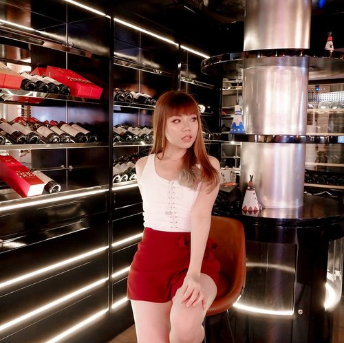 """<div class=""""photoCaption"""">Will you meet me in the high of Saturday night? <br /> ーー<br /> Took this pic at the gorgeous @tribessurabaya 3rd Floor, the Wine Lounge 🍷what a perfect place to chill with your friends or partner after a tiring week!</div>"""