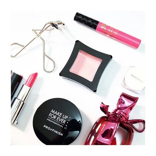 // BLACK AND PINK - my kind of monochromatic vibes ♤These are the most favorite darlings to date with. Juicy lips, luscious lashes, flushed cheeks. Giggle and wink ;) #myfavemakeup #clozetteco #clozetteID #clozetters #innisfree #makeupforever #mufe #illamasqua #illamasquaid #shuuemura #shuuemuraid #ninaricci #perfume # essential #givenchy #lerouge #fuchsia #COTW #instastyle #vscogirl #makeupjunkie #flatlay #beautyblogger