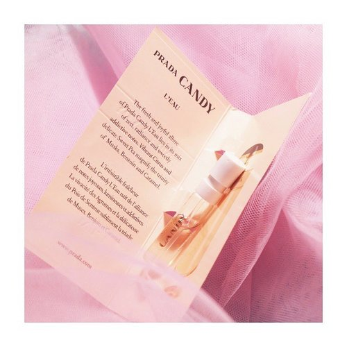 I promise I will go sweet tonight ♡#prada #pradacandy #candy #leau #eaudetoilette #profumo #goodnight #vial #perfume #perfumelover #profumo #fragrance #fragrancia #sweet #instamood #instacute #kawaii #code #coordinate #clozettedaily #clozetteID #clozette #pink #かわいい #可愛い #tutu