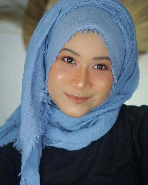 Ini alasan kenapa aku sering banget pakai crinkle hijab.. 😆.Hijab yang aku pakai dari @ranurcollection .Buat temen2 yang mau jadi reseller tanpa modal, bisa banget.. cek detailnya ke @ranurcollection yah. #clozetteid #hijab #tutorialhijab #tutorialpashmina #hijabtutorial #tutorialpashmina