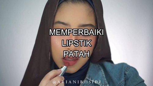 Ceritanya kemaren aku lagi bikin video kan.. Terus pas part pakai lipstik, tiba-tiba lipstiknya patah.HAHAHAA😂😂😂 Dari peristiwa mengagetkan dan sedikit bikin sedih karena itu warna lipstick favorite, terus juga kesel sama diri sendiri itu alhamdulillah tercipta video ini yang semoga bermanfaat buat temen-temen semuaaa..😆😆😘😘😘 #clozetteid #beautyhacks #memperbaikilipstikpatah #fixingbrokenmakeup #fixingbrokenlipstick #brokenlipstick #beautytips #beautytipsandtricks #indobeautysquad @indobeautysquad #love