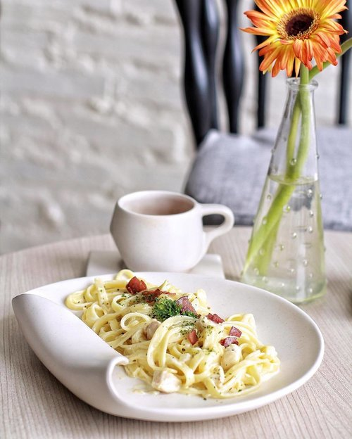 Craving for carbonara 🍝🍝🍝 . On frame, @heracate's carbonara 👌🏻 . #clozetteid #kulinersby #cafesby