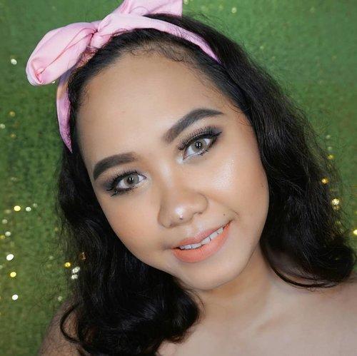 Holiday is coming!  Liburan pada mau kemana? Atau malah ada yang ngga libur? 😤😣 -- @bvlogger.id @femalebloggersid  #beautyvlogger #makeupaddict #wakeupandmakeup #beautybloggerid #indobeautyvlogger #ivgbeauty #bvloggerid @femalevloggersid #indonesianfemalevloggers @indobeautyinfluencer #indobeautyinfluencer  #beautiesquad @beautisquad @beautilosophy #beautilosophy #clozetteid @clozetteid  #beautyblogger