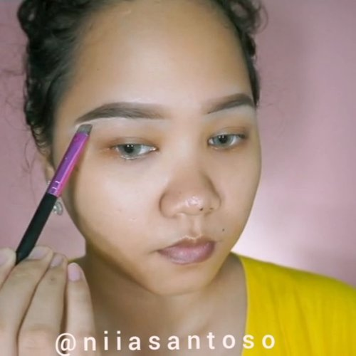 EYEBROWS TUTORIAL UPDATE!!! I'm amazed at how good and pigmented @qlcosmetic Eyebrow Cream is! By the way here is my eyebrows tutorial update!! I hope you guys like it!Products used:🍃@qlcosmetic Eyebrow Cream🍃@wardahbeauty eyebrow pencil🍃@maybelline Fit Me Concealer shade 20 SandBrush:🍃@lamicabeauty Flat Concealer Brush 126@tampilcantik @ragam_kecantikan @beautygoers@indobeautysquad @indobeautygram @setterspace @bvlogger.id @beautybloggerindonesia @bunnyneedsmakeup @wakeupandmakeup @amabiebeauty @zonamakeup.id @beautiesquad #eyebrowstutorial #tampilcantik #ragamkecantikan #indobeautygram #ivgbeauty  #makeuptutorial #wakeupandmakeup #amabiebeauty #clozetteid  #niiasquicktutorial #beautygoersid #bvloggerindonesia #setterspace
