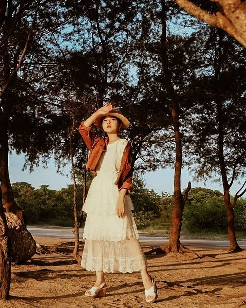 Love you when you're sunny, wearing jacket and skirt by @someday.indo #collabwithchen #neutrals #clozetteid