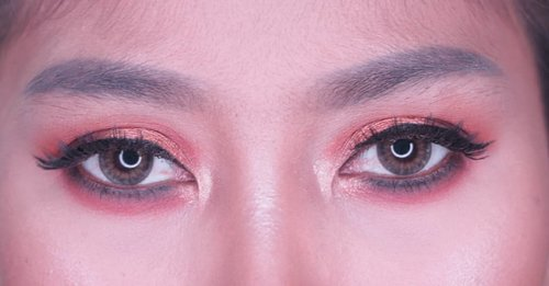 Day 2 Orange Smokey eye  #oneweeksmokeyeyeschallenge @femalebloggersid #clozetteid #makeup #orange #love #instamakeup