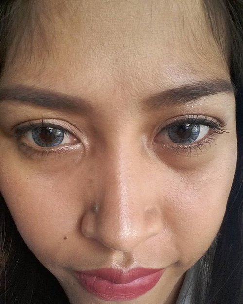 #x2diaryblue from @x2softlens love the color 😍😍 #x2diaryseries #softlens #eyes #selfiewithx2diary #clozetteid #makeup