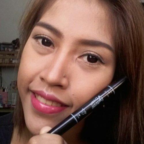 Demen banget ngalis pake eyebrow cream dari @qlcosmetic  Hasilnya bagus banget, warna pigmented, waterproof pulak. Pake sedikit juga hasilnya udah bagus bangetttt. Recommended abissss  Review soon on my blog  For order you can visit @qlcosmetic . . . . #eyebrow #eyebrowgel #qlcosmetic #makeup #clozetteid #makeupjunkie  #instabeuty #instamakeup