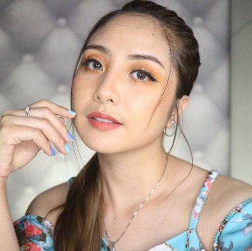 Gerah ya buk.. dikuncir ajah....#captiongakpenting #gaktaumaunulisapa..#fdbeauty #clozetteid  #ivgbeauty #makeupclip #makeuptips #indobeautygram #koreanstyle #koreanblusher #cchannelfellas #indovidgram #makeupvideo #beautyguruindonesia #beautygram #beautybloggerindonesia #muablora  #koreanmakeup #nyxcosmeticsid  #creamblush  #indobeautysquad #jakartabeautyblogger #makeupart