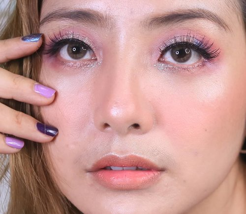 Soft purple look yang wearable 😍 . . . @troiareuke_korea H+ Cushion Imagic Eyeshadow Palette @holikaholika_official glitter @w.lab Shading @colourpopcosmetics Highlighter . . . . .#fdbeauty #clozetteid  #ivgbeauty #makeupclips #fiercesociety #tampilcantik #wakeupandmakeup #makeuptips #indobeautygram #makeupaddict #amazingmakeupart #maybelline #undiscovered_muas #indovidgram #makeupvideo #lagirlindonesia #beautyguruindonesia #beautygram #beautybloggerindonesia #muablora  #discovervideos #nyxcosmeticsid  #glammakeup #indobeautysquad #jakartabeautyblogger
