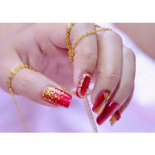 Red & Gold Nail Art♥ Sexy and Glamoyr right? I use gold chain, glitter Hexagone, Ring, Stripping Tape, Rhinestone from @lovellenailshop  @lovellenailshop  @lovellenailshop Go my blog to see the detail.. http://loveellentan.blogspot.com#nailartwow #nailartdesign  #nailartlove #nailartbrush  #nailartlover  #nailartcult #nail #nails #nailswag  #nailpolishaddict  #nailpolish  #ilovenailart  #ilovenailarts  #clozetteid  #rednailart  #redgoldnailart  #goldnail  #sexy  #glamour #notd  #nails2inspire  #nailartofinstagram  #nailartclub  #indonesianbeautyblogger  #nailartohlala  #nailartjunkie  #nailartheaven #nailartdivas