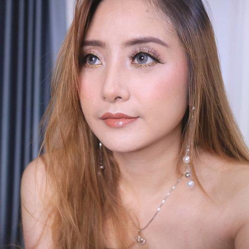 Simple eye n nude lips 😍#fdbeauty #clozetteid #universalhairandmakeup #uhmvideo #ivgbeauty #makeupclips #fiercesociety #tampilcantik #wakeupandmakeup #makeuptips #indobeautygram #makeupaddict #amazingmakeupart #maybelline #undiscovered_muas #indovidgram #makeupvideo #lagirlindonesia #discover_muas #beautyguruindonesia #beautygram #beautybloggerindonesia #muablora #eotd #discovervideos #nyxcosmeticsid #maccosmetics #glammakeup #indobeautysquad #jakartabeautyblogger