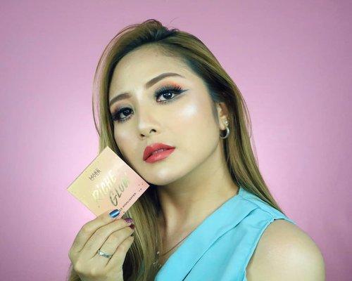 Siapa disini team Blinding?? 🤣.Cek review @makeoverid Riche Glow di youtube aku ya. Link di profile 😘..#fdbeauty  #clozetteid  #universalhairandmakeup #uhmvideo #ivgbeauty #makeupclips  #fiercesociety  #tampilcantik #wakeupandmakeup #makeuptips #indobeautygram #makeupaddict  #amazingmakeupart #beautyandhairdiaries #undiscovered_muas #indovidgram #makeupvideo #lagirlindonesia #discover_muas  #beautyguruindonesia #beautygram #beautybloggerindonesia #muablora #maybelline #discovervideos #nyxcosmeticsid #glammakeup #makeoverid