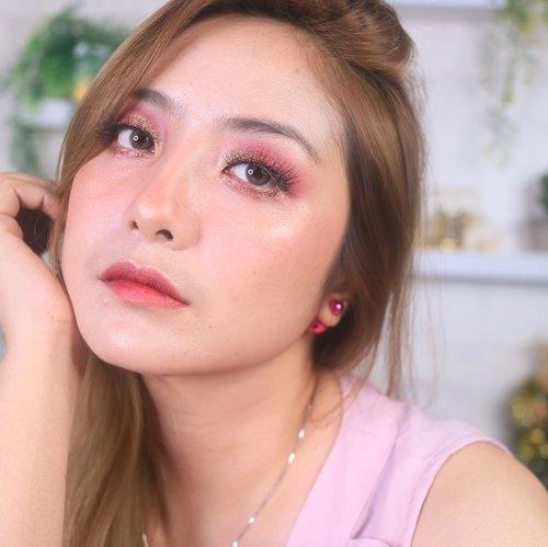 Bingung mo nulis caption apa 😂.Besok pengumuman GIVEAWAY aku btw 😁Thank you yang sudah join ya 💕Dan jangan baper untuk yang belum beruntung, join aja lagi next Giveaway 😘..#fdbeauty #clozetteid #universalhairandmakeup #uhmvideo #ivgbeauty #makeupclips #fiercesociety #tampilcantik #wakeupandmakeup #makeuptips #indobeautygram #makeupaddict #amazingmakeupart #maybelline #undiscovered_muas #indovidgram #makeupvideo #lagirlindonesia #discover_muas #beautyguruindonesia #beautygram #beautybloggerindonesia #muablora #eotd #discovervideos #nyxcosmeticsid #maccosmetics #glammakeup #indobeautysquad #jakartabeautyblogger