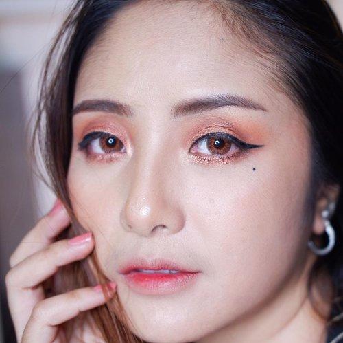 Happy New Year everyone 🎉🥳😘.Semoga ditahun 2021 semuanya menjadi lebih baik.. 🙏🏻 walaupun banyak yang terjadi di tahun 2020, optimis dengan apa yang sudah bisa kita lewati ditahun lalu .. tahun depan juga kita bisa lewati dengan baik..Jaga kesehatan dan jaga hubungan baik.. saling support dan kasih ❤️.#clozetteid #fdbeauty  #newyear2021 #ivgbeauty #makeupclip #makeuptips #indobeautygram #koreanstyle  #cchannelfellas #indovidgram #makeupvideo #beautyguruindonesia #beautygram #beautybloggerindonesia #muablora  #nyxcosmeticsid  #indobeautysquad #jakartabeautyblogger