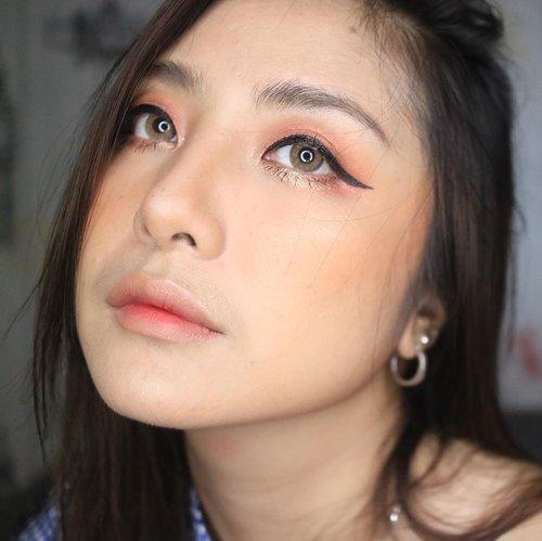 Cuma mo pamer eyeliner gue.. yang sepanjang jalan kenangan 🤣.No fake eyelash ya 😘. .#koreanmakeup . #fdbeauty #clozetteid  #ivgbeauty #makeupclip #makeuptips #indobeautygram #koreanstyle #koreanblusher #cchannelfellas #indovidgram #makeupvideo #beautyguruindonesia #beautygram #beautybloggerindonesia #muablora  #koreanmakeup #nyxcosmeticsid  #creamblush  #indobeautysquad #jakartabeautyblogger