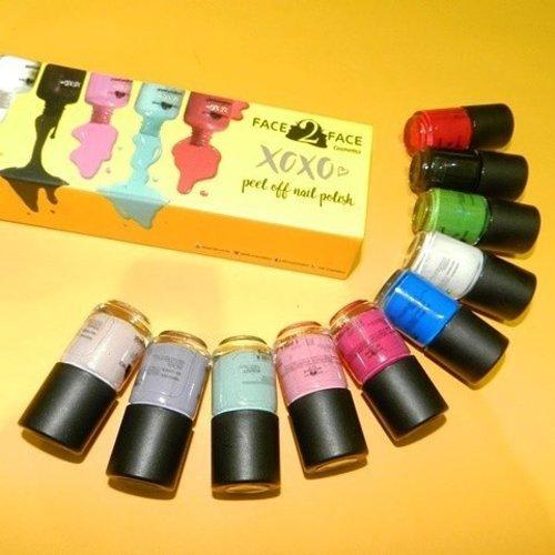 Got goodies from @f2f.cosmetics full with colorful nail polish that looks awesome ❤  Tau ngga kalo Nail Polish ini bisa di peel off alias ga ribet pake nail remover, mau wudhu tinggal peel nail polishnya gampang.  #nomoreribetdeh yang penasaran mari mampir klik link di bio yah  Thankyou @f2f.cosmetics ❤  #beautyblogger #bloggerindo #bblogger #indonesianbeautyblogger #indoblogger #beautyblog #nailenthusiast #nailart #peeloffnailpolish #produklokal #nailpolish #makeupjunkie #nailjunkie #nails #femalebloggers #indonesianfemalebloggers #bloggerperempuan #ClozetteID #f2fcosmetics #face2face