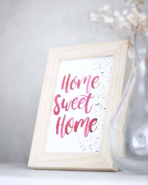 Home is where the heart is ❤️ . . . #jessicaalicias #clozetteid #photooftheday #indonesianbeautyblogger #beautybloggerindo #makeupaddict #makeuplover #instamood #instagood #instalike #ggrep #pictureoftheday #stylehaul #bblogger #aesthetic #thevisualvogue #ftmedd #featuremeofh #expofilm