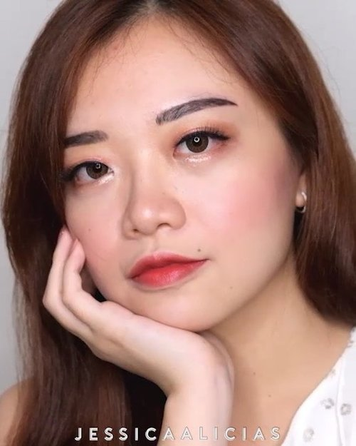 🌸BLUSHED MAKEUP TUTORIAL🌸.Akhirnya tutorial baru setelah sekian lama 💕 ini video version dari tutorial yang kupost di blog minggu lalu. Enjoy!Ps. abaikan alisku yg item dan belang ya, abis sulam trs belum ngelupas semua 😂.Most of the product used are from @altheakorea 💋• Flawless Creamy Concealer - 02 Ginger• Petal Velvet Powder• Eye Palette Sunrise & Moonrise• Spotlight Eye Glitter - Gold Light• Watercolor Cream Tint - 04 Maroon Cream..🎵Music by @ashtonedminster - Shades of Blue via @hellothematic.....#jessicaalicias #jessicaaliciastutorial #altheaangels #altheamakeup #clozetteid