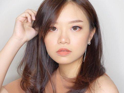— Hit you with that 두뚜두뚜 두! 🔫 . Uploading old photos because I got nothing to post 😂 I kinda want to make a Blackpink inspired makeup tutorial, because I loveee their new songs! Maybe soon 🤔 . . . . #jessicaalicias #jessicaaliciasmakeup #charisceleb #clozetteid #beautybloggerindonesia #indonesianbeautyblogger #beautybloggerid #indonesian_blogger #stylehaul #indobeautygram #ggrep #kmakeupfa #sbybeautyblogger #balibeautyblogger #bloggerceria @indobeautygram #kbbvfeatured @tampilcantik #tampilcantik #asianmakeup #makeupkorea #koreanmakeup #꿀팁 #파데 #화떡 #셀카 #얼스타그램 #훈녀
