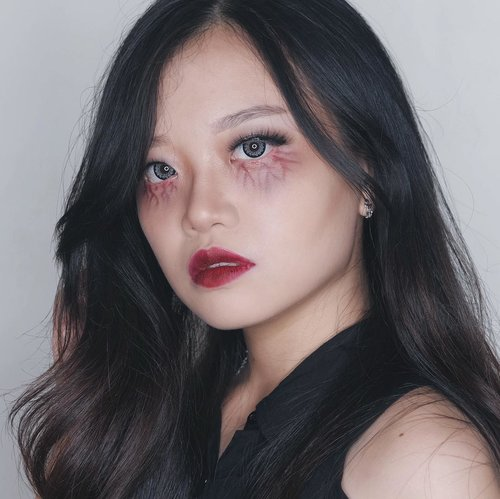 Bringing back my #halloween makeup look because this is how I'm feeling right now 😂 . . . #jessicaalicias #jessicaaliciasmakeup #clozetteid #sbybeautyblogger #balibeautyblogger #halloweenmakeup #indobeautygram @indobeautygram #IVGBeauty #beautybloggerid #ggrep #stylehaul #makeupjunkie #makeupindo #인생템 #하울 #꿀팁 #파데 #화떡