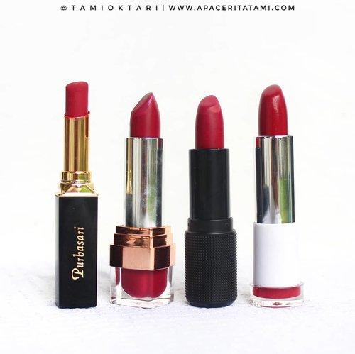 Balik lagi ke edisi #LipstickLokal 💄 Kali ini edisi warna merah keunguan. Apa tuh sebutannya? Burgundy? Magenta? Auk ah 🤣 haha. Untuk #SwatchesbyTami nya bisa geser fotonya aja~♡ Mungkin keliatannya kayak ga beda jauh dr swatches edisi sebelumnya, tapi irl warnanya beda kok😁👌.💋 @purbasarimakeupid Matte Lipstick '82 Mirah'💋 @amaliahalalbeauty Satin Lipstick '02 Saffron Purple'💋 @riveracosmetics Absolute Matte Lipstick '202 Absolute Magenta💋 @fanbocosmetics Ultra Satin Lip '07 Possesive'.💁♀️Packaging?Packaging Purbasari paling ringkih diantara ketiga produk lainnya. Gampang patah..💁♀️ Tekstur?Purbasari & Rivera agak seret (ga begitu creamy) sedangkan Amalia & Fanbo creamy banget.💁♀️ Harga?Semuanya dibawah 100ribu, kecuali Amalia .#LipstickLokal #MakeupLokal #LipstickMatte #LipstickSatin #bunnyneedsmakeup #ragamkecantikan #LipstickLokalMatte #ClozetteID