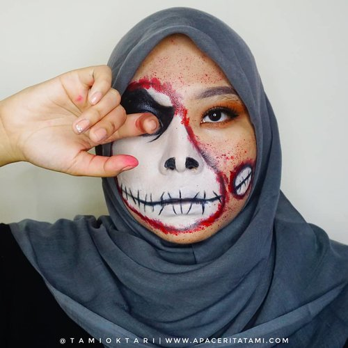 #MakeupLookbyTami kali ini masi edisi #HalloweenMakeup dan cobain #JackSkellington Makeup Look ☠ Just for Fun!! . Products I Used👇 @getthelookid Infallible Pro-Matte Foundation '102 Sheel Beige' @maybelline Fit Me Matte Poreless Foundation '230 Natural Buff' @pixycosmetics Concealing Base '02 Sand Beige' @riveracosmetics Eyebrow Matic 'Brown' @marckscosmeticind Bedak Tabur 'Natural Beige' @beautycreations.cosmetics Eyeshadow Palette 'Elsa' @wardahbeauty EyeXpert Optimum Hi Black Liner @meisabulumata 'Lucy' @viva.cosmetics Body Painting White, Black & Red @elsheskin Nail Polish 'Adora' (Karena dia water based, jadi aku pakai untuk buat efek percikan darahnya) . Inspired by @samuel.rayy 👨‍🎨 . #HalloweenMakeupIdeas #Halloween #31DaysofHalloween #JackSkellingtonMakeup #HalloweenMakeup2019 #MakeupHalloween #ClozetteID
