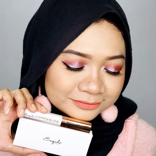 Hey, guys! A new blog post is already published! Kindly check gadzotica.com for the review of @esqido Lashes and Lash Companion Glue. . bit.ly/EsqidoReview (Link in bio) __ #fotd #motd #makeup #beauty #hijab #hijaber #hijabstyle #hijabstyleindonesia #hijablicious #makeupinspiration #makeuplook #makeupinspo #bblogger #instabeauty #hijabfotografi #beautygram #hijabootdindo #hijabfotd #hijabersurabaya #mua #beautyinfluencer #surabayabeautyinfluencer #sbybeautyblogger #beautyvlogger #beautybloggerid #gadzotica #gadzoticareview #clozetter #clozetteid