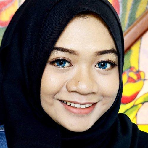 Not afraid to take a #selfie 📷 . Face: @maybelline Matte&Poreless Foundation 128 + Powder 220 Brows: @apieu_cosmetics Harutatoo Brow Eyeshadow: @bbia.official Plush Shadow 10 Eyeliner: @maybelline Hypersharp Power Black Eyelash: @elise_id  Lips: @nyxcosmetics_indonesia Lip Lingerie Ruffle Trim+Exotic Softlens: @japansoftlens Ageha Lunatia Aqua ___ #eotd #fotd #beauty #makeup #clozetteid