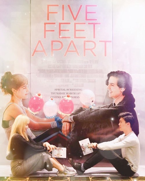 이번에 새로 개봉한 영화!! Five feet apart! 완전 감동 사랑하는 사람을 마음껏 터치? 할수 있는것에 감사가 나오는 영화입니다 ㅠㅠ 영화 공짜로 볼수 있으면서 구디백으로 글리터 메이크업까지 ㅠ 감사하며 삽시다 ㅋㅋ-Hello sweety❤️ Finally I watch the movie that I was waiting for! After i watch i feel grateful and thankful i am healthy and can love someone with freely! I don't want to speak too much (afraid of spoiling!)🙈 Recently if you lost your emotion or searching for reasons why you live? Please watch it!You can watch start from tomorrow! 15 March 2019!And @absolutenewyork_id glittery it's so amazing i got gold colors! It's luxury and gorgeous! I try to post more details review soo please stay tune ❤️❤️-@clozetteid#FiveFeetApart #ClozetteID #AbsoluteNewYork #AbsoluteNewYorkID