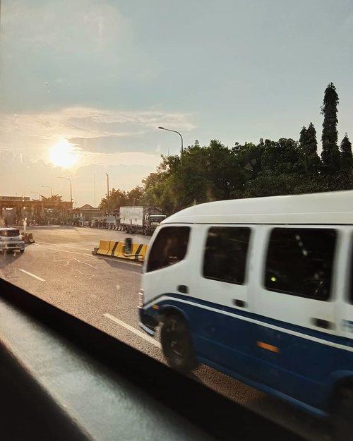 Sebuah awal#ClozetteID #senja #sunset #sunsetphotography #bandung #mantrianarani