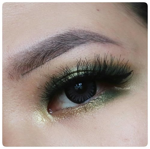 Green Olive #EOTD using @beautyglazed Uranus Eyeshadow Palette. Reviewed it on www.liamelqha.com #JourneyAboutMakeup #liamelqhadotcom .#beautyglazed #bloggingmom #BloggerPerempuan #Beautiesquad #KEB #KumpulanEmakBlogger #ClozetteID #IndonesiaFemaleBlogger #SociollaBlogger #KBBVmember #batambeautyblogger #batamblogger #indonesiabeautyblogger #beautybloggerindonesia #setterspace #review #makeupaddict @wakeupandmakeup #wakeupandmakeup #monolidmakeup