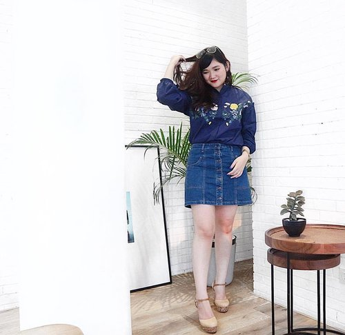 Yay new outfit post on my blog! Link on my bio as always, don't forget to click luvs 💕 Top from @3mongkis . . . #clozetteid #ootd #ootdindo #lookbook #lookbookindonesia #lifestyleblogger #fashion #blogger #fashionblogger #wiwt #potd #vscocam #eosm10 #lovelife #instagood #streetstyle #potd #eosmdiaries #ggrep #ggrepstyle #mongkisinframe