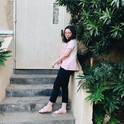 Ootd colongan hari ini 😎 . . .  . . . . #clozetteid #ootd #ootdindo #lookbook #lookbookindonesia #lifestyleblogger #fashion #blogger #fashionblogger #wiwt #potd #vscocam #eosm10 #lovelife #instagood #streetstyle #potd #eosmdiaries #ggrep #ggrepstyle #cgstreetstyle #streetfashion #setterspace