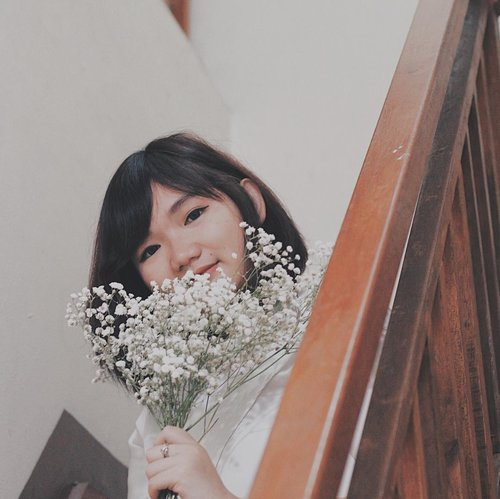 he's not kind of romantic man he knows that i love baby breath that much not a fancy flower arrangement but it means a lot lot i'm so grateful to have you  thanks, love 💙 . . . #clozetteid #flower #babybreath #flowerstagram #white #lifestyleblogger #fashion #blogger #fashionblogger #wiwt #potd #vscocam #eosm10 #lovelife #instagood #streetstyle #potd #eosmdiaries #ggrep #ggrepstyle #LYKEambassador #weLYKEit #whatweLYKE #LYKE #beautynesiaid #beautynesiamember