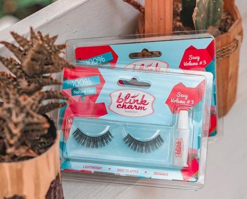 Siapa sih yang gak tau sama Blink Charm? Brand eyelashes yang sudah mendapatkan berbagai recognition dan award sebagai best eyelashes dari berbagai pihak! Semua varian Blink Charm semua super light weight, natura, mudah dipasang dan bisa digunakan berkali-kali (8-12 kali) 🤩Kemarin aku dikirimin @clozetteid beberapa varian @blinkcharm, dan sudah aku coba semua! Full review juga sudah tayang di www.jssicanovia.com 🙆♀️#blinkcharm #clozetteid #eyelashes ....#skincare #beauty #blogger #fashion #fashionblogger #wiwt #potd #vscocam #eosm10 #lovelife #instagood #lifestyleblogger #beautyjunkie #beautynesiamember