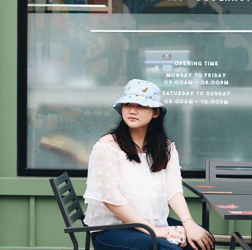Coffee o'clock ⏱ . . . . . #clozetteid #ootd #ootdindo #lookbook #lookbookindonesia #lifestyleblogger #fashion #blogger #fashionblogger #wiwt #potd #vscocam #eosm10 #lovelife #instagood #streetstyle #potd #eosmdiaries #ggrep #ggrepstyle #cgstreetstyle #streetfashion #setterspace