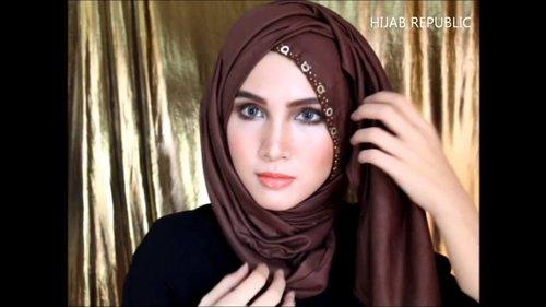 Beautiful Hijab Tutorial #15   Fall Winter 2013  Pyramid Gear - YouTube