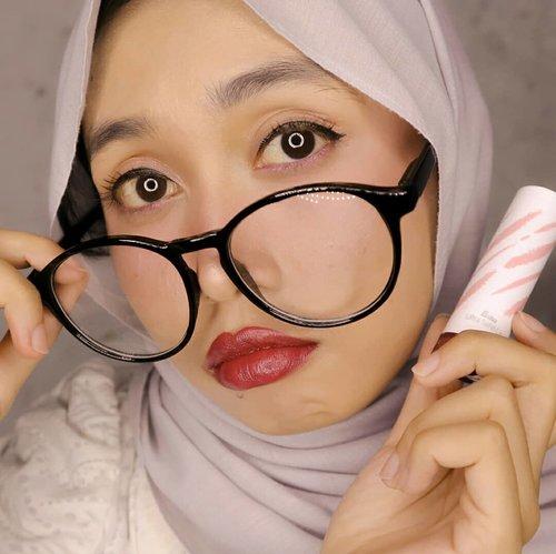 (SWIPE >>>) Yang bosen lipstik matte, silakan lihat-lihat. Fanbo punya lipstik satin klasik. (review detail soon)...#Beautiesquad #BeautiesquadxFanbo #BeautiesquadReview #FanboUltraSatinLip #FanboCosmetics #clozetteid #semarangbeautyblogger