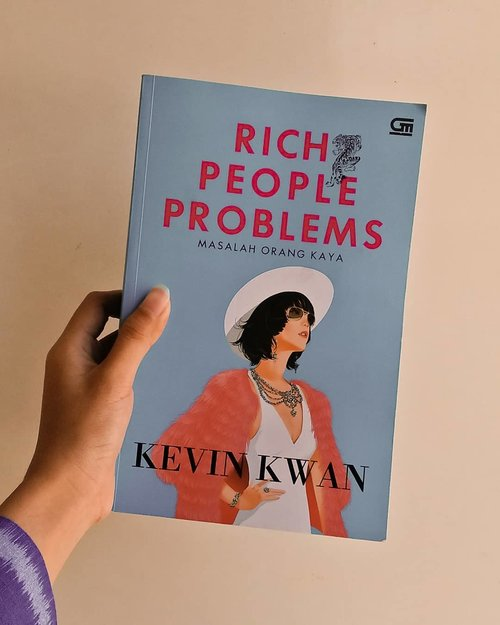 #SobatMisqueen can't relate.My thoughts about this book? I love it. Astrid really is ... something. Everything about Astrid and Charlie is lovable, sweet, yet mature and reasonably makes sense.Who's team Astrid?#richpeopleproblems #crazyrichasians #teamastrid #clozetteid #bookstagram