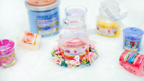 Yankee Candle has become the #1 most-recognized name in the candle business and the best selling candle brand in their country 🌻 . They use food grade paraffin wax, essential oils, and fragrance extracts as their main ingredients.. Their paraffin wax has been aproved by USDA (US Department of Agriculture) 🙌🙌 . Glad that@yankeecandleindonesia sent some of their products for me to try 🙌😍🙌